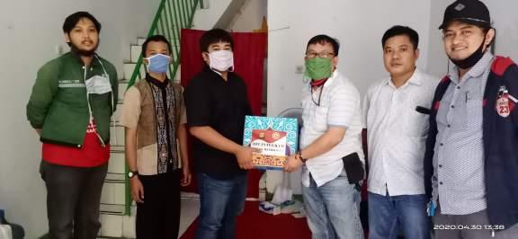 Mewakili Direktur Intelkam Polda Metro Jaya, AKP Chairul Saleh, SPd, MH Serahkan Bingkisan Sembako Ke KAMMI