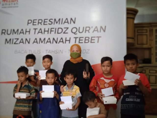 Bunda Anna, Tokoh Perempuan Dermawan Asal Jawa Tengah Ini Santuni Anak Yatim
