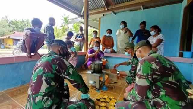 Cegah Covid 19 TNI Ajarkan Pembuatan Wedang Jahe Ala Pos Skamto Papua