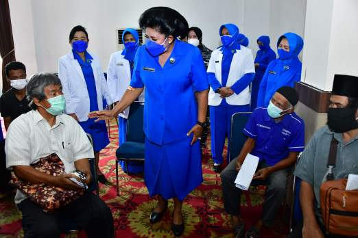Rayakan HUT, Jalasenastri TNI AL Gelar Baksos Serbuan Vaksin